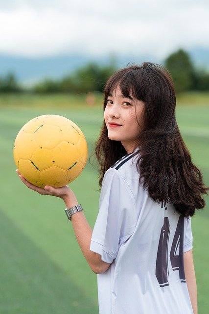Playing Soccer Like A Pro: Tips And Tricks